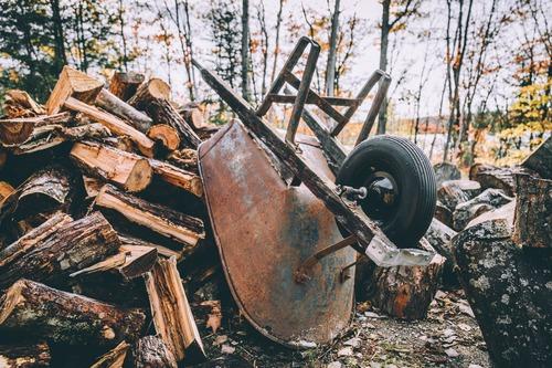 ranger le bois de chauffage - comment bien stocker son bois - Combustibles Gruchy