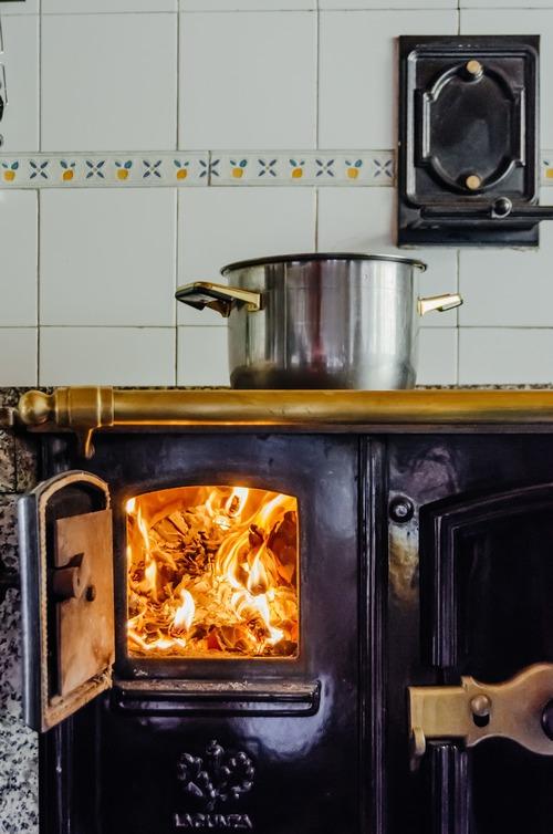 Comment tuber son poêle à bois - granulés de bois